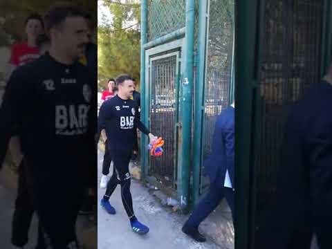 Orgogliobarese.it - Tifosi del Bari caricano la squadra prima del derby col Foggia