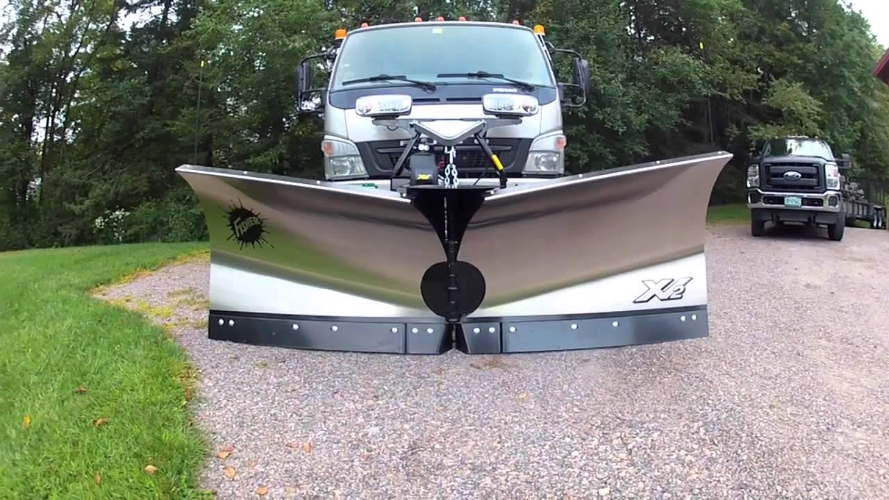 Fisher XV2 on Fuso FG 140 - YouTube