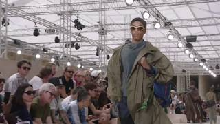 Live: The Louis Vuitton Men's Spring-Summer 2018 Fashion Show by : Louis Vuitton