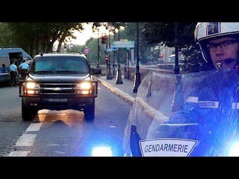 Paris terror suspect Salah Abdeslam still silent in new court appearance