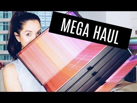 MAC COSMETICS ME MANDO UNA CAJA CON 70 LABIALES!! MEGA HAUL + SORTEO CERRADO | Flo Pereira