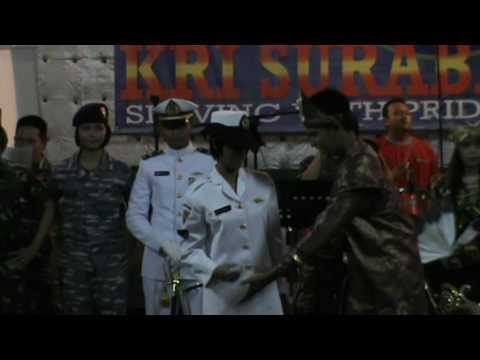 Fashion Show TNI AL dan Pakaian Adat Indonesia, SaiL Raja Ampat 2014