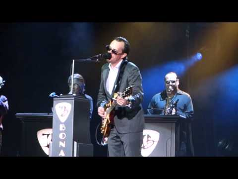 Joe Bonamassa - Living On The Moon - Stuttgart 4.3.2015