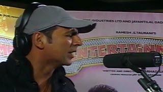 Akshay Kumar Sings & Records Brand New Track | Entertainment