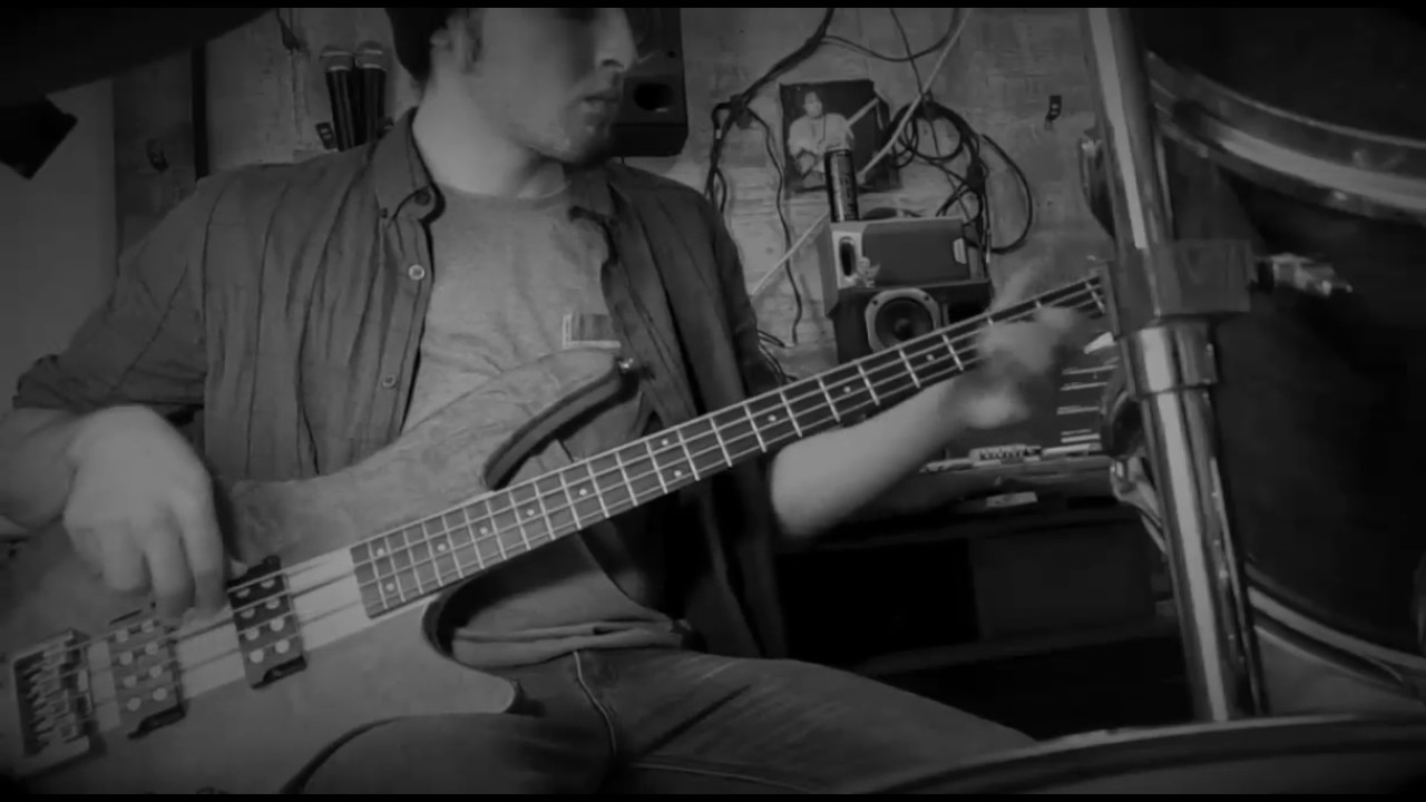 Bass and Drums Solo Style Ibanez SRX 300 (Lost my Mind) - YouTube
