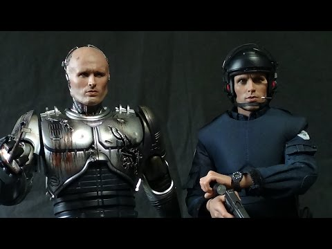 HOT TOYS ROBOCOP BATTLE DAMAGED VERSION WITH ALEX MURPHY