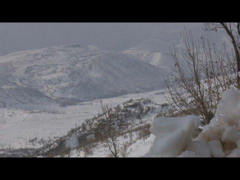 شاهد: الثلوج الكثيفة تغطي قرى بكاملها في كردستان بشمال العراق…  - نشر قبل 32 دقيقة