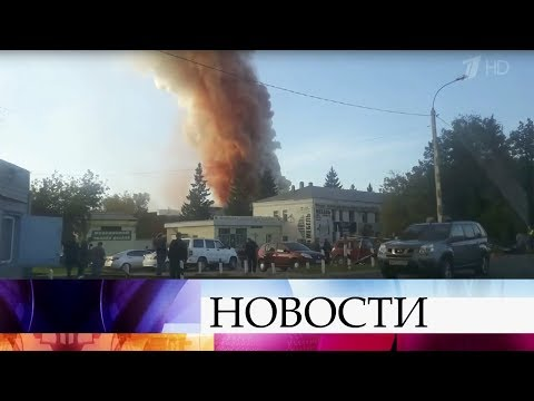 Намебельной фабрике вгороде Чехов Московской области вспыхнул сильный пожар.