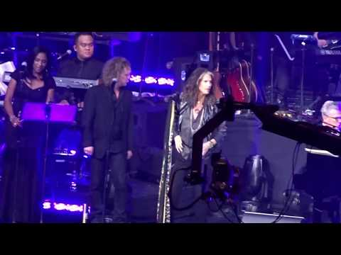 Steven Tyler (Aerosmith) - Cryin' (Live at the David Foster Concert in Vancouver)