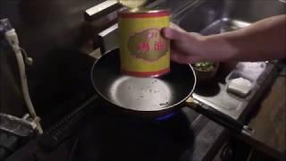 ラーメン屋のチャーハンの作り方 How to make Chinese fried rise!