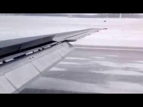 Icy runway landing-dayton international airport-jan'14