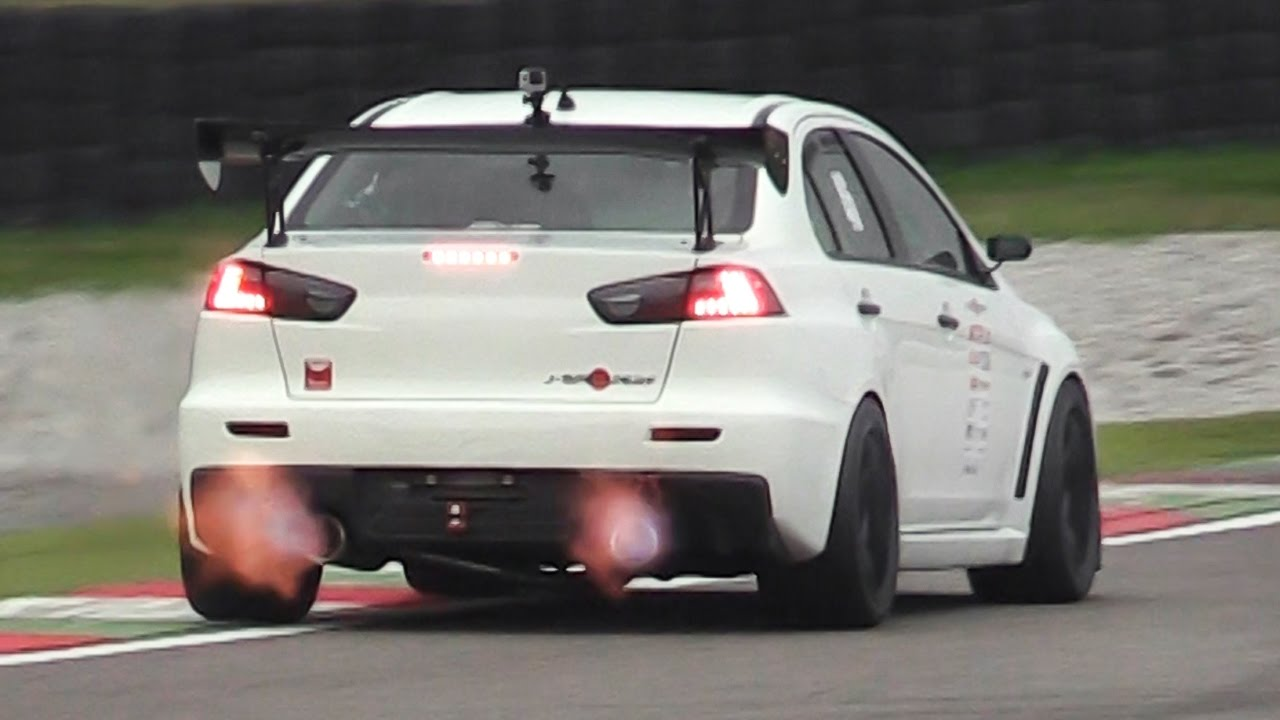 Mitsubishi Evo 9 >> Mitsubishi Lancer Evo X by J-Spec Performance at Time Attack Italia - YouTube