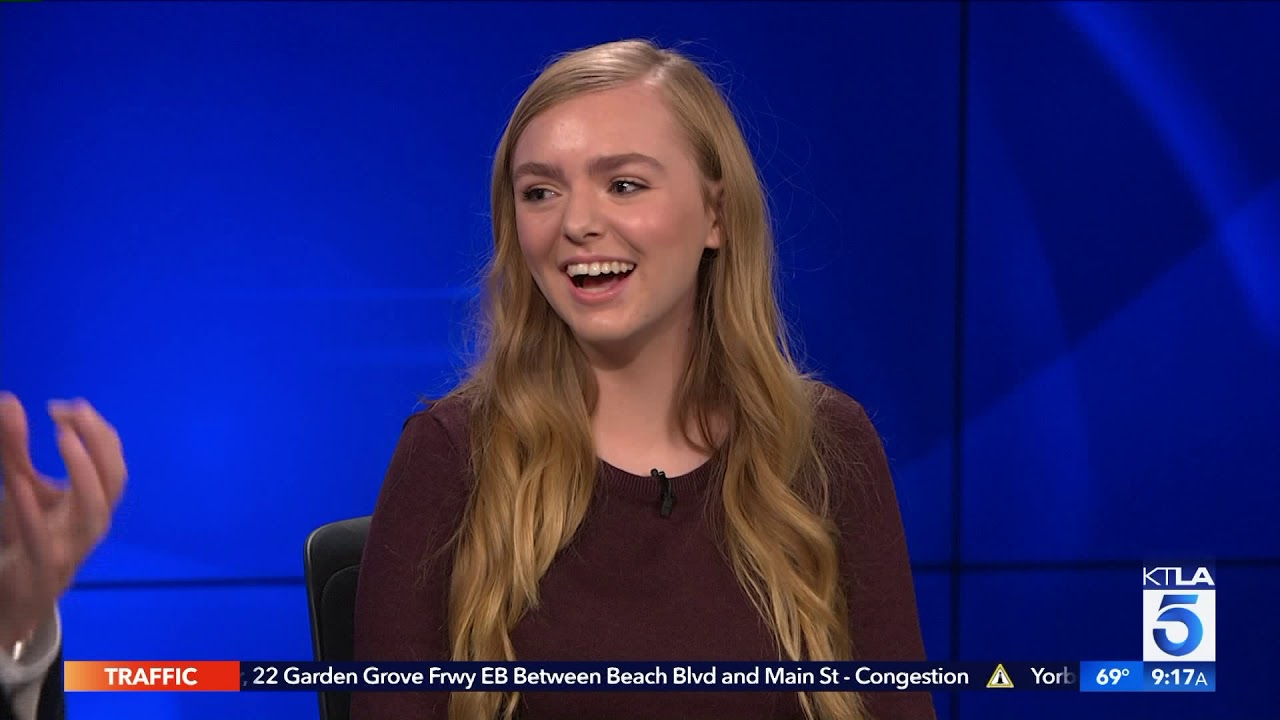 """Download Elsie Fisher on the Stress of """"Eighth Grade"""" & the App that can Help"""