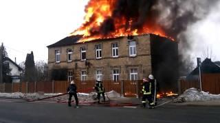The house is burning open fire. Пожар. Deg maja Salaspils Rigas iela. Part 1.