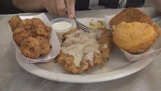 Mel's Blueplate Diner Chicken Fried Steak Review - WE Shorts