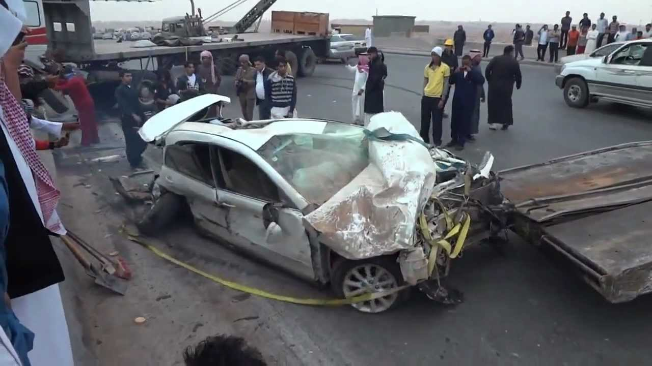 Toyota Camry Accident Under The Truck Youtube
