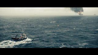 Человек из стали спасает экипаж на нефтяной вышке.Человек из стали.(2013).