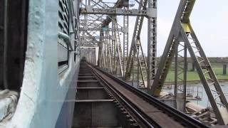 Gujarat Express Crosses through massive Narmada river bridge before Bharuch Junction