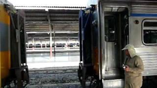 タイ国鉄の激しい連結。どかんっ! thumbnail