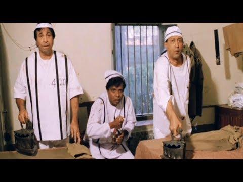 Kader Khan, Sadashiv & Tinnu Anand as 'Chindi Chor' - Comedy Scene   Ek Phool Teen Kante