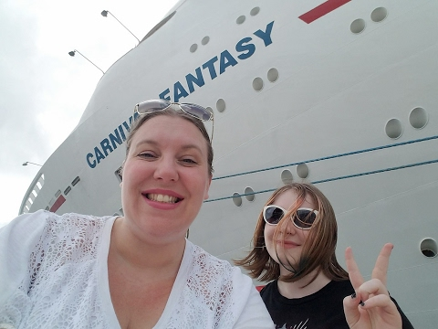 Boarding the Carnival Fantasy Cruise Ship on Halloween Day! [vlog ep1]