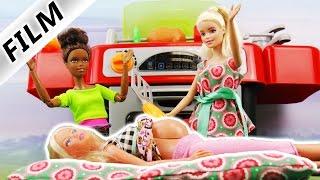 GEBURT AUF GRILLPARTY?! | Schwangere Barbie in den Wehen nach scharfer Sosse?! Barbie Film deutsch