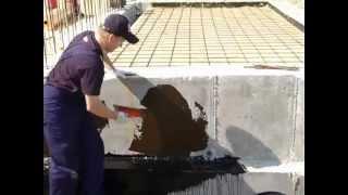 видео Битумная мастика и обмазочная гидроизоляция фундамента