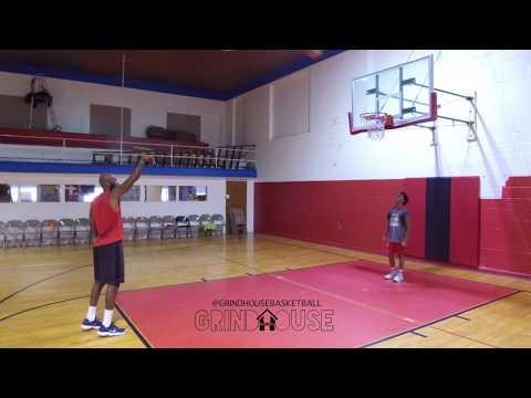 "#iTrainWithMarcusWalker: Form Shooting NBA/WNBA Development Coach w/ Marcus ""The Bullet"" Walker"