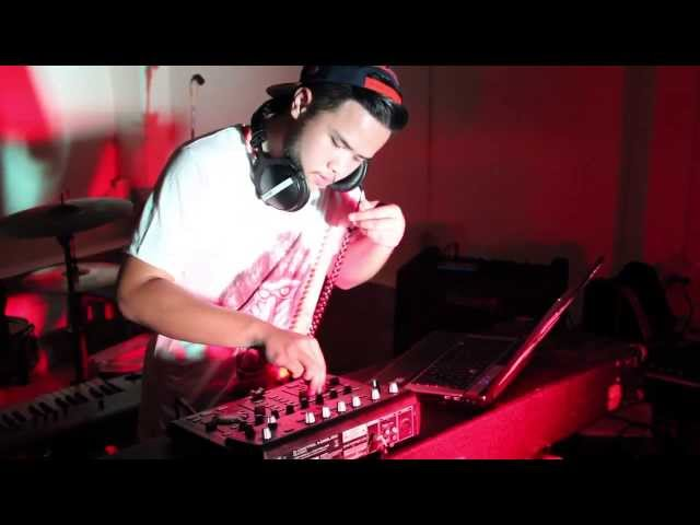 DUBSTEP MIX with Behringer : BCD3000 ( DJ BukerBEAR )