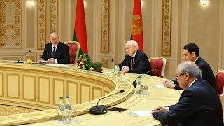Лукашенко предлагает сформировать глобальную стратегию противостояния новым вызовам и угрозам