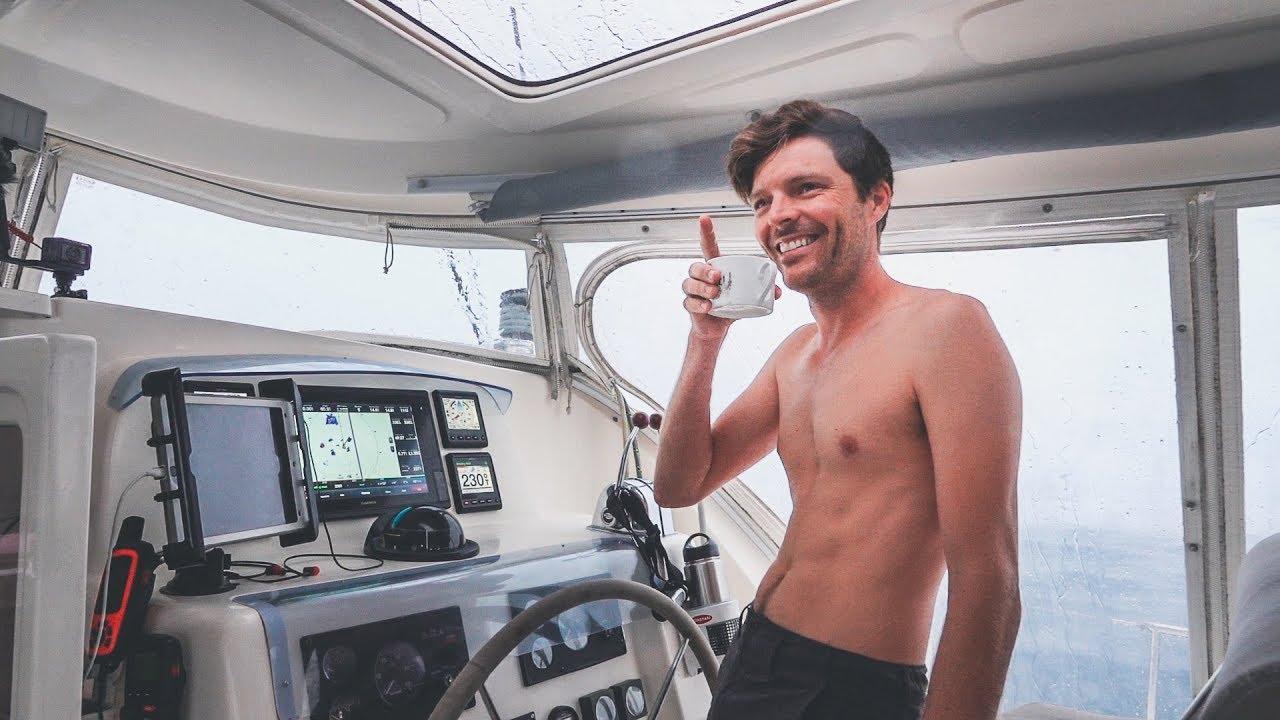 no-cake-no-brownies-just-squalls-happy-birthday-sailor-sailing-french-polynesia