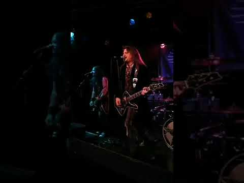 Jeff Carlson Band show opener at Count's Vamp'd 8 31 2019
