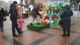 Спортивные развлечения на Соборной площади.