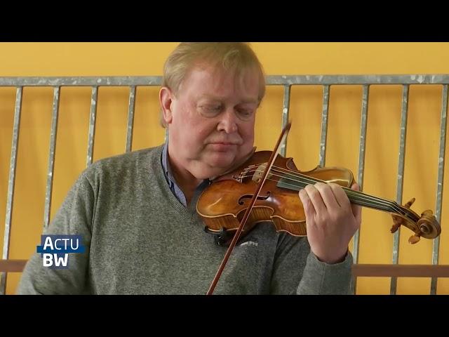 Des élèves de l'Athénée Paul Delvaux reçoivent la visite de 2 musiciens - TV Com, 26/02/2021
