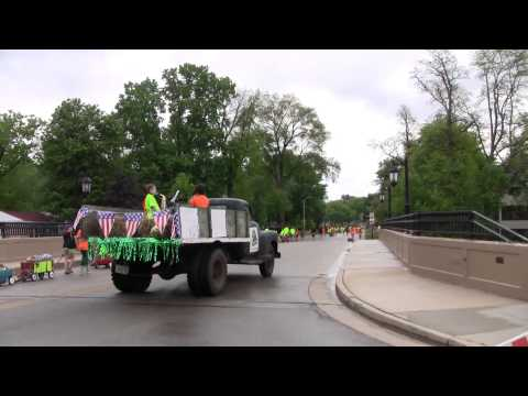 Big Bob- First parade Oconomowalk Nature Hill School -2013