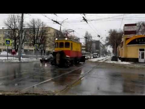 Сломался пантограф на снегоочистителе ГС 5 г. Саратов