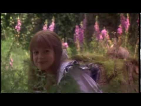 Cristina d 39 avena mary e il giardino dei misteri youtube - Il giardino segreto banana ...
