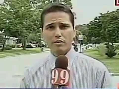 This reporter can't say his last name without moving his head