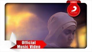 Download Fatin - Dia Dia Dia (Official Music Video)