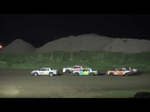 IMCA Hobby Stock feature Marshalltown Speedway 5/26/17