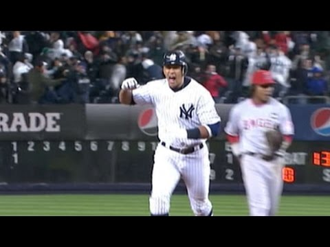2009 ALCS Gm 2: A-Rod's homer in the 11th ties game