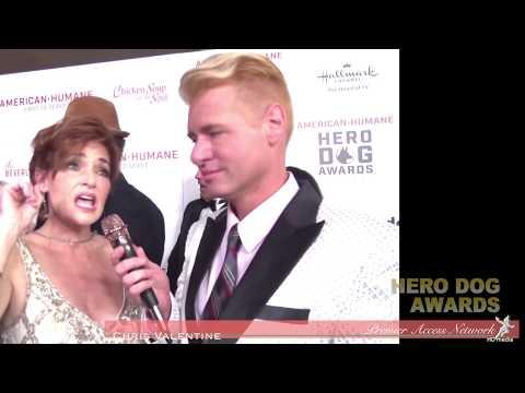 Carolyn Hennesy w/Chris Valentine at the Hero Dog Awards