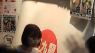 AKB48秋元才加同小林香菜離開香港西九龍中心一刻 2013/8/11.