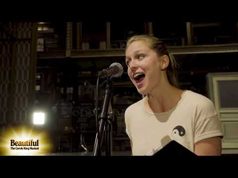 "Melissa Benoist Sings ""I Feel The Earth Move"" 
