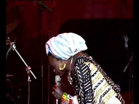 Oumou Sangare - Sounsoumba live at Jazz a Vienne 2009