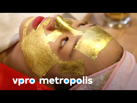Golden facial in South Korea - vpro Metropolis