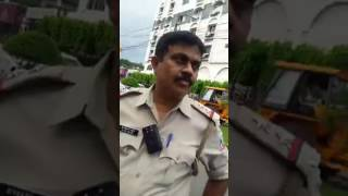 Kolkata Traffic Police gives a FAKE CASE to Innocent Car Driver in Road LIVE