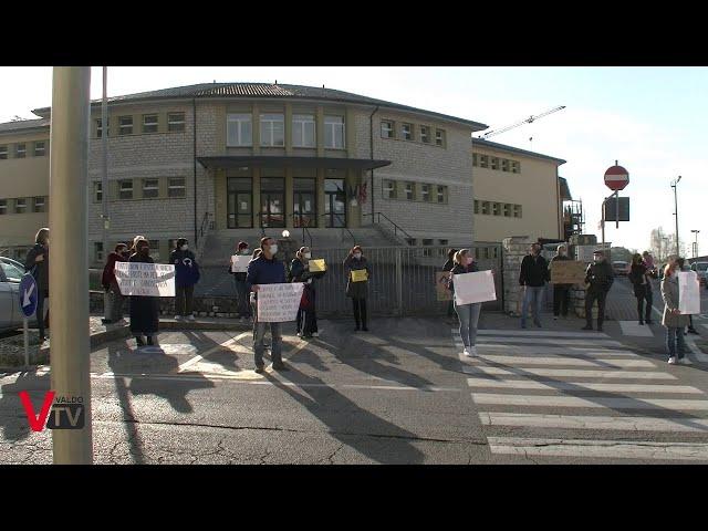 La protesta dei genitori di Valdobbiadene contro la chiusura delle scuole