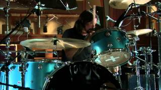 Download Mantra - Dave Grohl, Josh Homme, Trent Reznor Mp3 and Videos