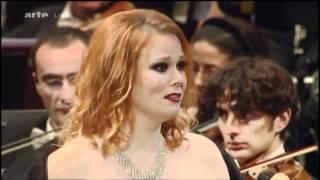 Jessica Prat interprète La Sonnambula